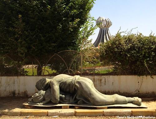 sculpture memorial iraq kurdistan halabja iraqikurdistan halabjamassacre