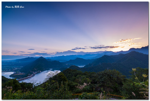 morning mountains zeiss sunrise nikon taiwan rays 台灣 桃園 taoyuan 石門水庫 d800 日出 longtan shimenreservoir 早晨 山巒 龍潭 霞光 2128zf
