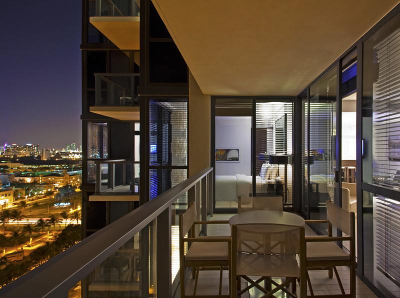 W South Beach—Cool Corner Balcony