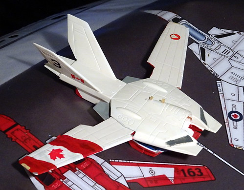 "1:100 Stonewell/Bellcom VF-1A Valkyrie, ""085/3"" of the Canadian 'Snowbirds' demonstration team, 2018 (ARII kit, unofficial fan art version) - WiP 