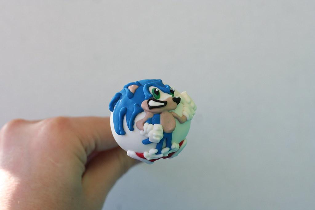 Sonic The Hedgehog Cake Pops Custom Drawn Sonic Pops Flickr