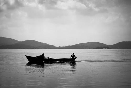 quem me navega é o mar.