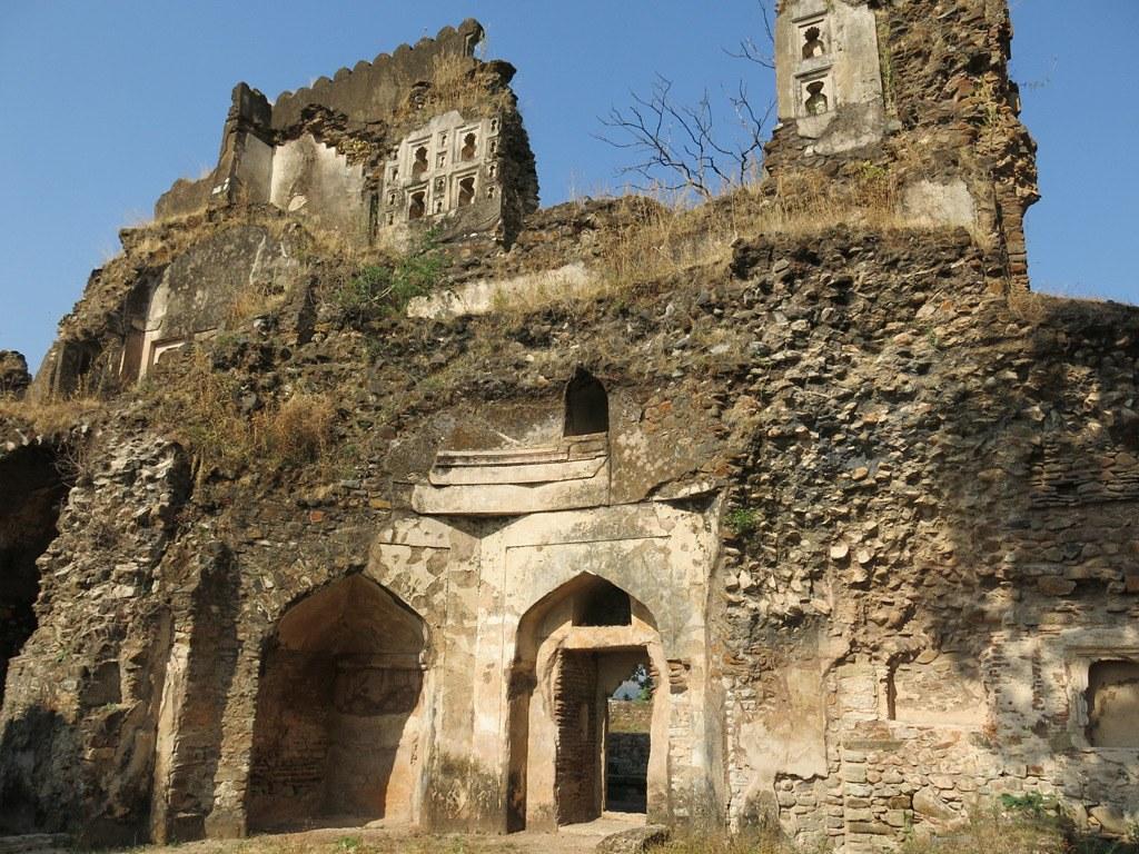 Deogarh fort near Dhanaulti