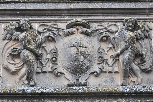 Baeza (Jaén). Catedral. Portada norte. Escudo