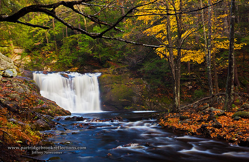 autumn fall massachusetts lowerfalls royalston doanefalls