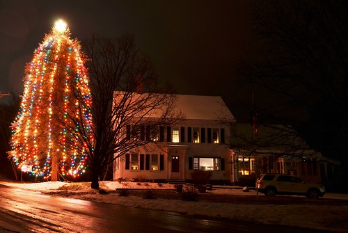 christmas house holiday snow tree night lights nikon pretty candles december farm tripod newhampshire christmastree d5100 boscwen