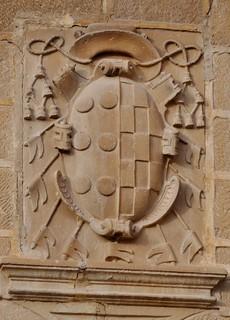 Úbeda (Jaén). Iglesia de San Pablo. Escudo del obispo de Jaén Sancho Dávila