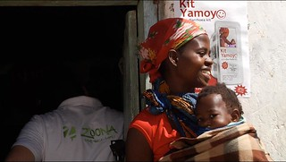 Kit Yamoyo mother and child and poster | by S1m0nB3rry