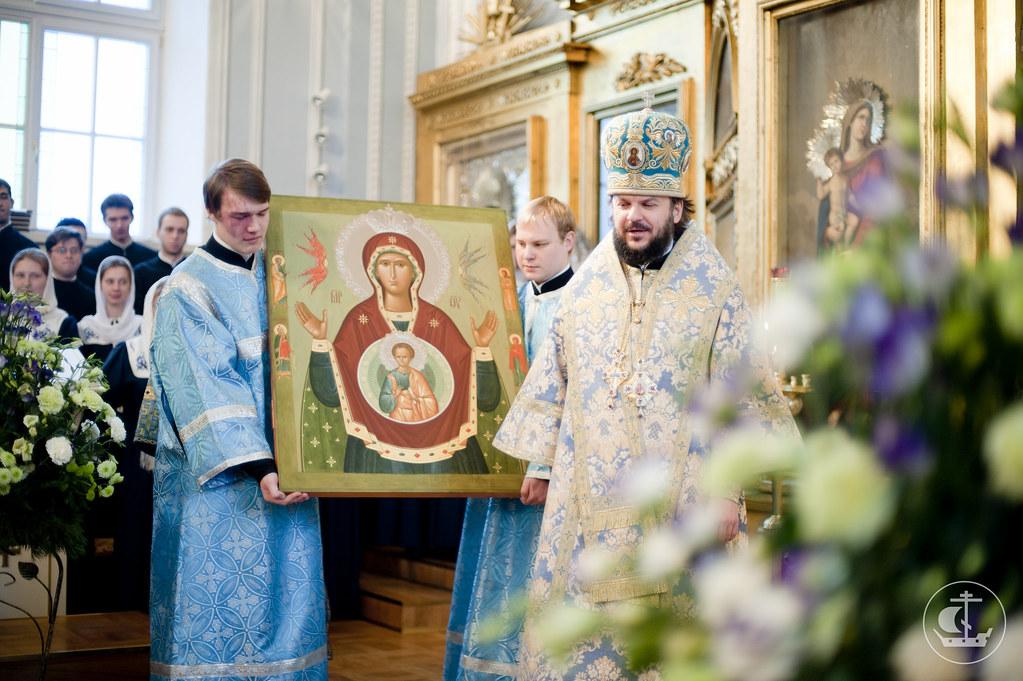 """10 декабря 2012, Литургия в день празднования в честь иконы Божией Матери, именуемой """"Знамение"""""""