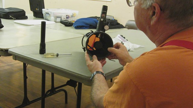 MVI_3730 121204 SBAU tim collimation Angela  Apertura branded laser tester 14s