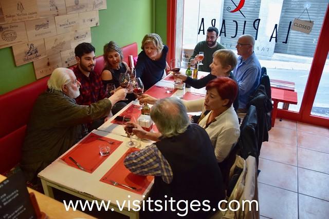 Inauguració de l'exposició de dibuixos de Joan Iriarte a La Pícara Sitges