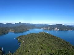 Lago de Sol y Luna