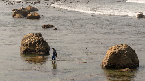 Walking in the Ocean   by seghal1
