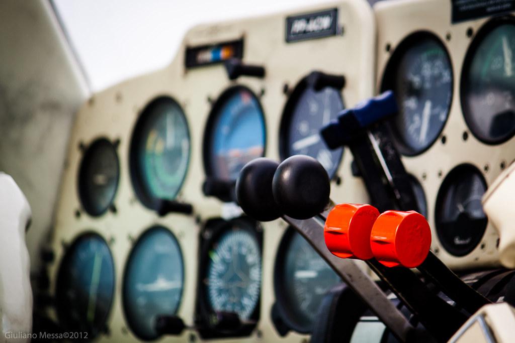 Throttle Pedestal Beech Baron Be-58 | Be-58 PP-ACW @ SNPA | Giuliano