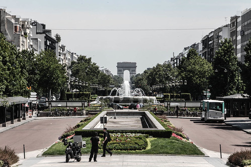 Arc de Triomphe | by frozenchipmunk