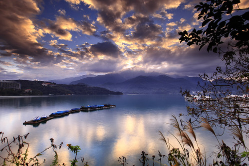 sunset nature sunrise canon landscape day cloudy taiwan 南投 getty 5d 台灣 風景 gettyimages mkii 日月潭 sunmoonlake nantou 日出 魚池 風景攝影 yuchih 5d2 hybai