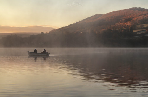 morning mist lake wales sunrise boat south llangorse