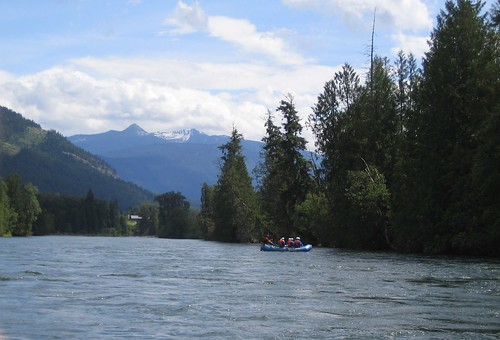 blu nelson rafting slocanriver
