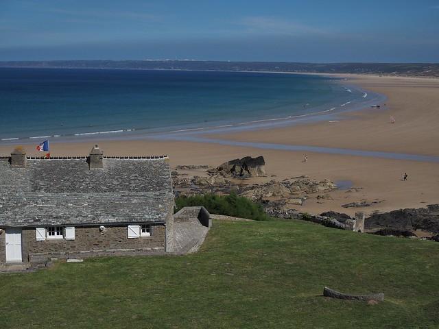 Le Fort et la plage de Siouville