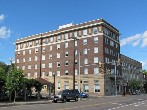 railroad windows building brick glass metal architecture bristol marquee hotel virginia washingtondc sandstone nw bathrooms decay kentucky decorative railway norton structure lobby business architect commercial depot panels renovation ornamental base firstclass travelers façade smalltown 1920 economicdevelopment overhang transom cornice parapet norfolkandwestern deterioration entablature evangelist coalmining frenchdoor nationalregisterofhistoricplaces colonialrevival steamheat nrhp wisecounty billysunday americanbond vdhr virginiadepartmentofhistoricresources thomasseabrookbrown
