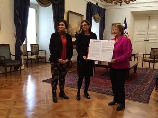 La presidenta Michelle Bachelet se suman a GQUAL