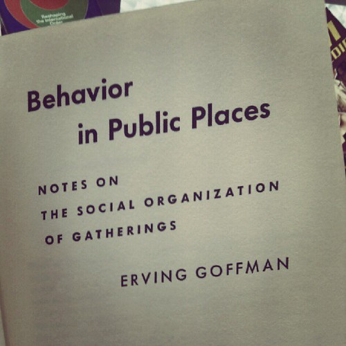 boeken van de gratis-meeneem-tafel: Behaviour in Public Places | by milov