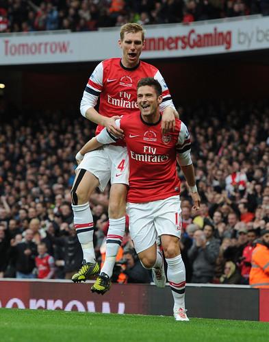 Olivier Giroud celebrates the 1st Arsenal goal