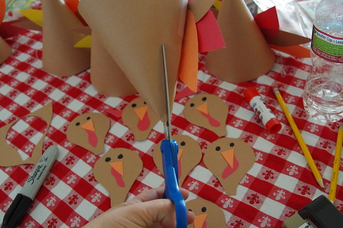 DIY Turkey Hats for Thanksgiving | by WelcomingSpirit