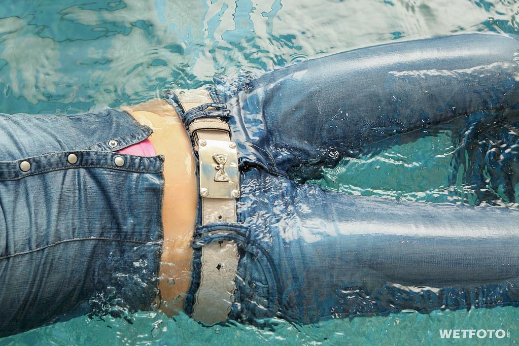 орбакайте девушки купаются в джинсах фото пьяных