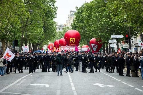 圖10.法國反對勞動法改革第六波遊行引發暴力衝突(0518)