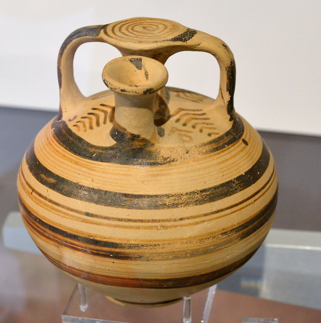 Stirrup jar / ψευδόστομος αμφορέας