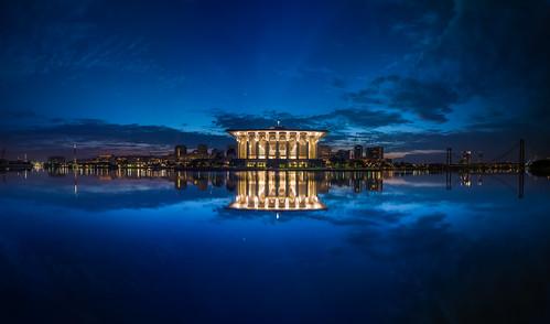travel blue light sky cloud lake reflection water architecture sunrise landscape photography mirror mosque malaysia slowshutter 5d bluehour putrajaya masjid 1740f4 putrajayawetland 5dmark2 putrajayalakeclub