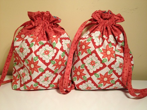 Twin lined drawstring bags - tutorial In Color Order - fabric Holiday Happy by Monica Solorio-Snow and Happy by Jennifer Heynen for In The Beginning