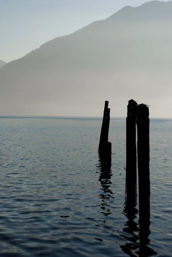 blue lake mountains nature water montagne sunrise lago schweiz switzerland pier ticino nikon europa europe suisse alba swiss natura locarno svizzera acqua azzurro swell molo lagomaggiore onde d80 maggiorelake me2youphotographylevel1 robbisaet robertasaettone