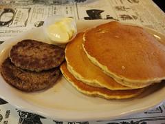 日, 2012-10-28 09:01 - パンケーキとソーセージ