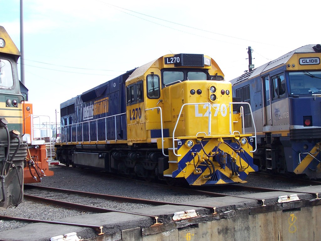 L270 at Dynon by Alan Greenhill