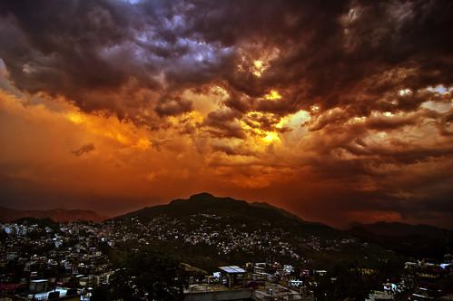 sunset red urban india mountain storm clouds landscape day cloudy grunge apocalypse hills indie range indien himachal himalayas fiery inde pradesh インド 印度 índia solan הודו 인도 độ intia الهند ấn هندوستان индия індія بھارت индија อินเดีย ינדיאַ ãndia saproon بھارتấnđộינדיאַ indiã