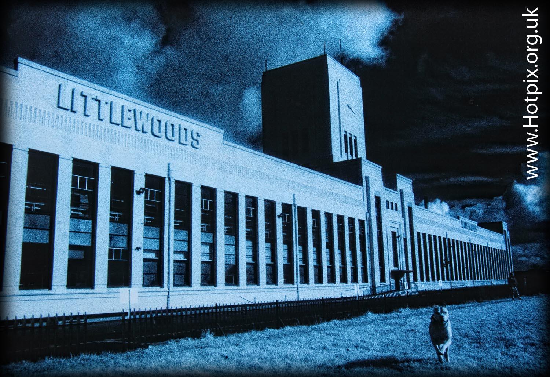 Liverpool,Edge,lane,hill,Edge Lane,Littlewoods,building,IR,infra,red,kodak,scouse,scouser,city,port,harbour,HIE,Mersey,River,Festival,toned,blue,mono,b/w,tony,smith,GMS,old,hall,street,England,UK,dog,man,ArtDeco,Art,Deco,grain,film