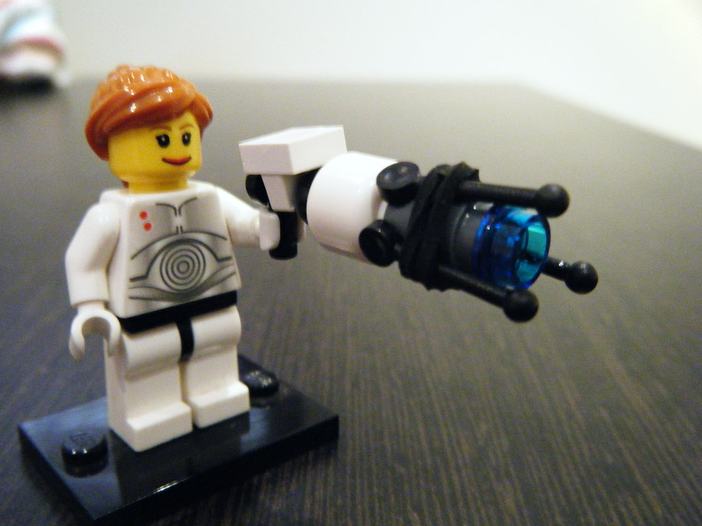 Lego Chell With Portal Gun Front View Svenstead Flickr