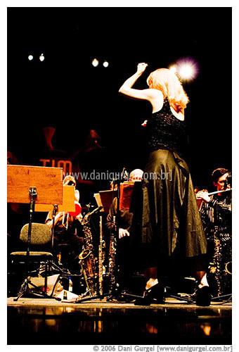 68.313 Maria Schneider - Tim Festival 2006 - 0032