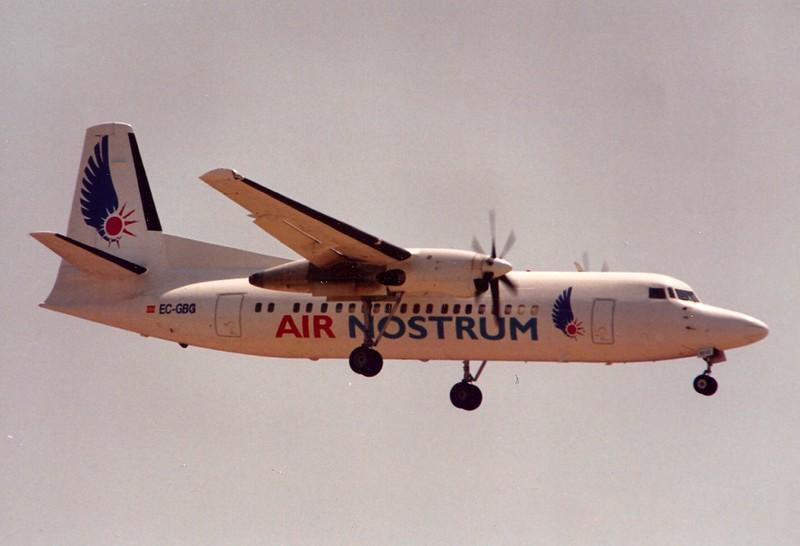 EC-GBG. Air Nostrum, Fokker 50 landing @ Barcelona, 08/95