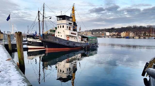 2016-01-09 13 Flensburger Hafen Schlepper