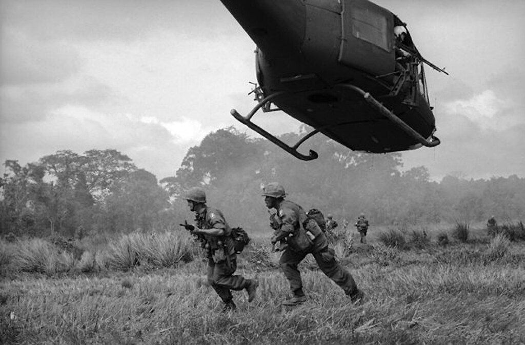 Vietnam War 1965 | Paratroopers of the 173rd U.S. Airborne B… | Flickr