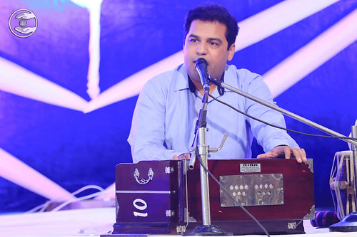 Devotional song by Surinder Sandhu from Preet Vihar, Delhi