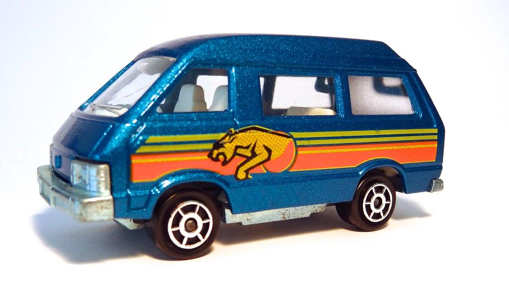 4e892a2bda ... Majorette Toyota Lite Ace