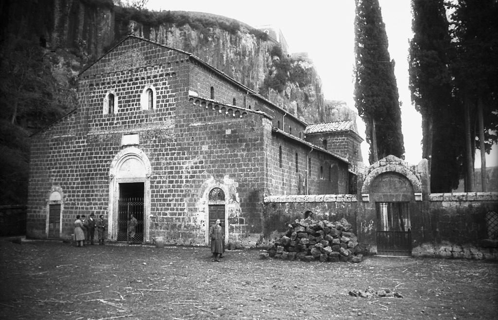 Castel Sant Elia Italia.Basilica Di Sant Elia In Castel Sant Elia Italy People In Flickr