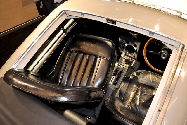 James Bond - ejector seat2