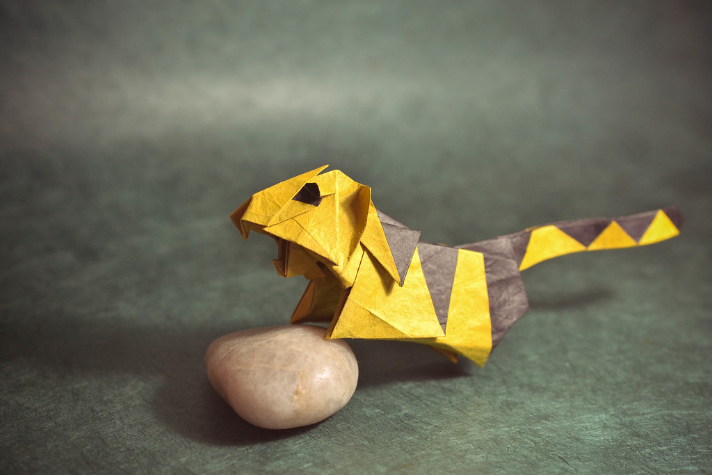 origami tiger Stock Photo - Alamy | 683x1024