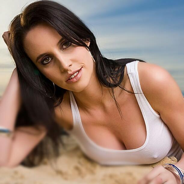 Celeb Lauren Vickers Nude Scenes