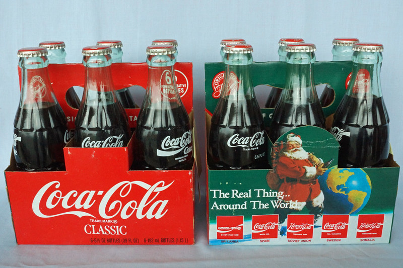 DSC02038 1990 Christmas Around the World Coca-Cola Bottles